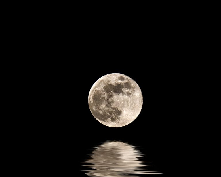moon wallpaper 151